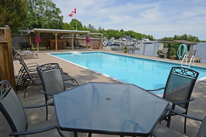 Muskoka - Sunnylea Resort- 2 bdrm - Severn - Cottage