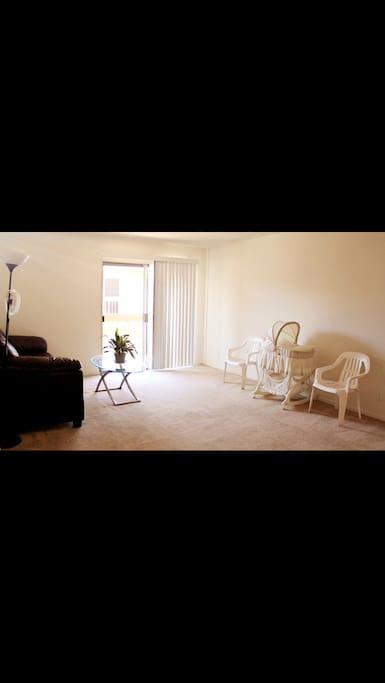 宽敞的客厅,给您自由的个人生活。