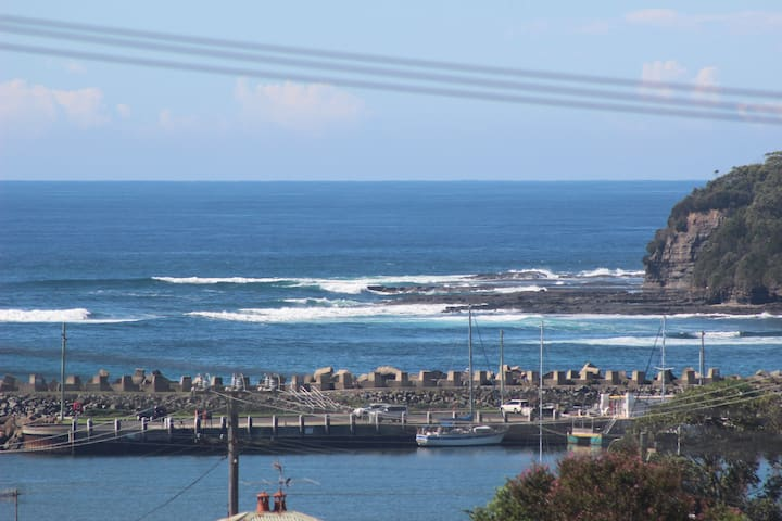 Ulladulla Ocean and Harbour View Villa - Ulladulla - Apartment