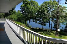 Walden Cottage - Small Private Beach - sleeps 8!