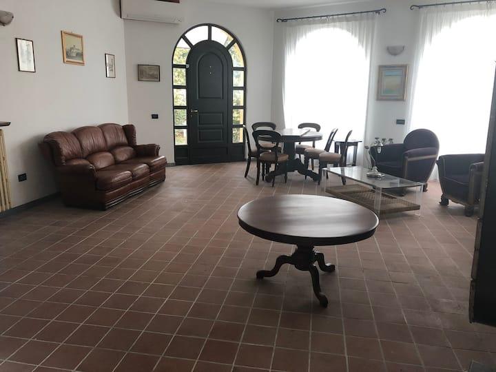 Benedenverdieping villa