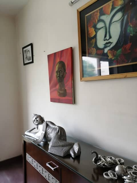 An Artist's layer: in a modern artistic home