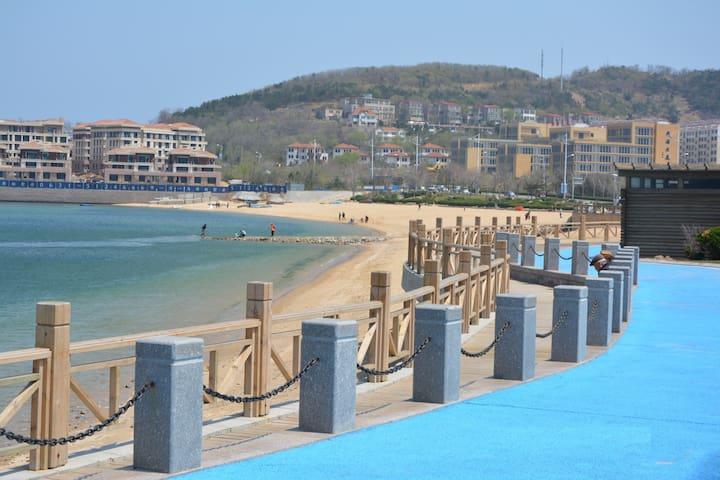 推荐!!葡萄滩海水浴场全新宜家海景度假公寓;欢迎您的到来。 - Weihai - Townhouse