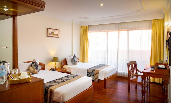 Private Room Twin beds - Free pick-up+Breakfast