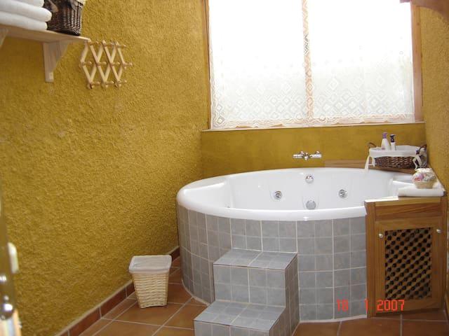 Oferta especial San Valentin- 95 E. - Manzanares - House