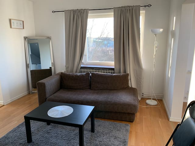 TOP FLOOR FOR 4 PEOPLE IN CENTRAL AREA