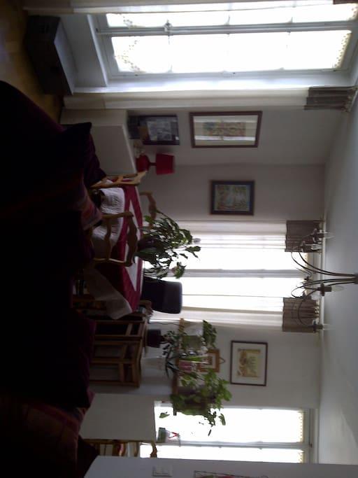 Salon côté salle à manger