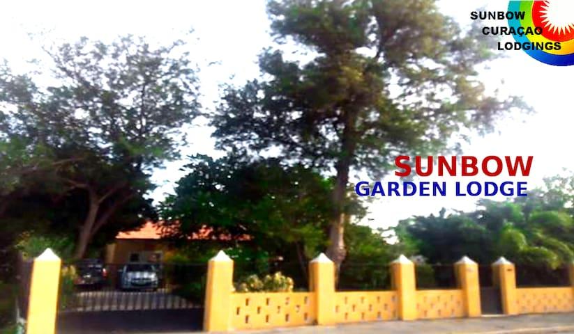 RainbowZ Urban Garden Den