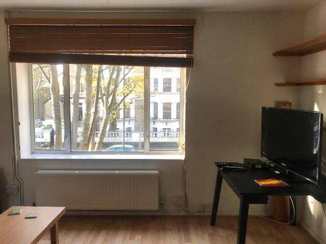 Cosy Highbury flat close to central London