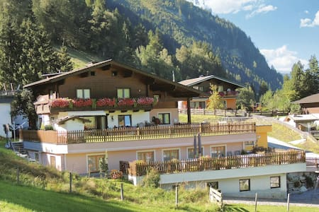 Holiday apartment with 1 bedroom on 38m² in Rauris
