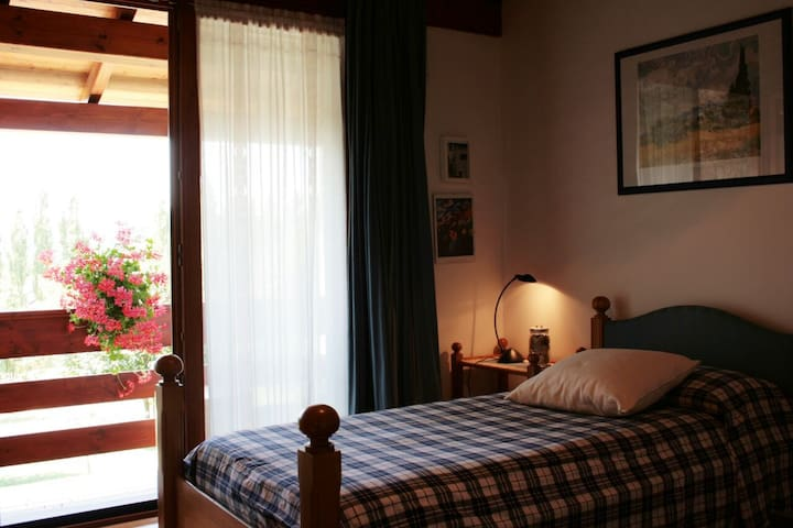 Camera singola a Santa Fosca - Pederobba - Bed & Breakfast