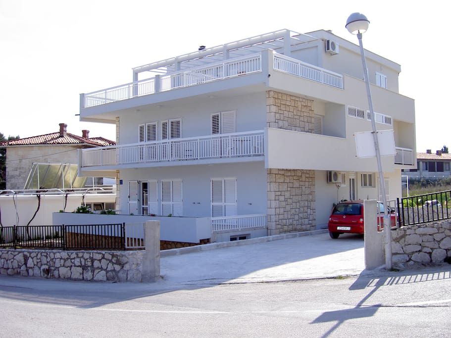 House with apartment on the top (second floor)