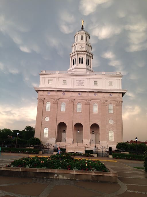 LDS Nauvoo Temple 1 Block Away