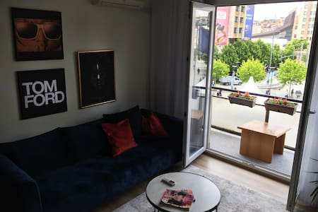 """The Grey"" Apartment / Center of Prishtina"
