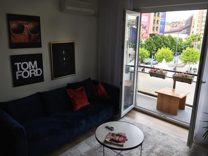 """The Grey"" Apartment / Center of Prishtina"