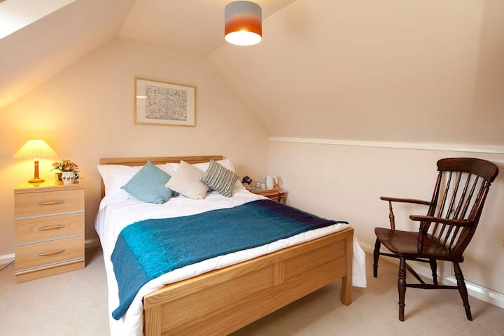 A double room with breakfast - Capel