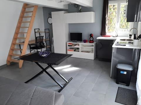 Charmant studio 45m2  idéalement situé en Provence