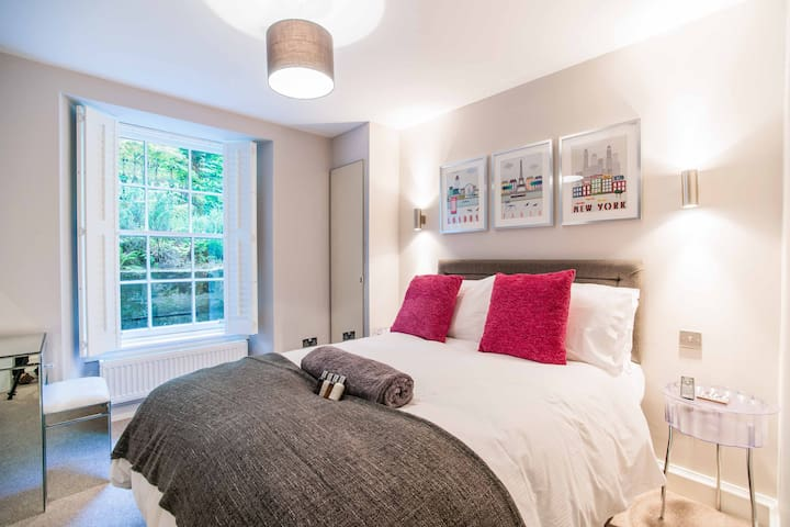 back bedroom with double bed