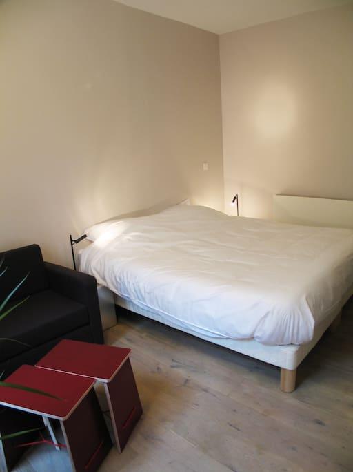 1,80 meters wide bed
