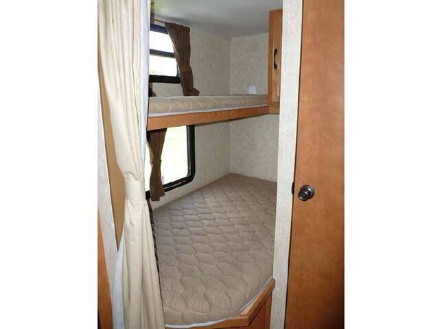 Single over double bunk