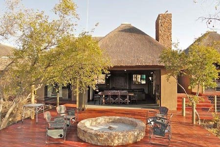 Elandsfontein 21*, Private Game Lodge, Mabalingwe