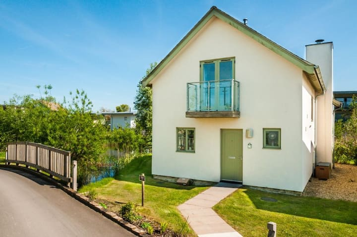 Bee Cottage, Luxury Spa, Nature Reserve, Child Friendly, Lower Mill Estate