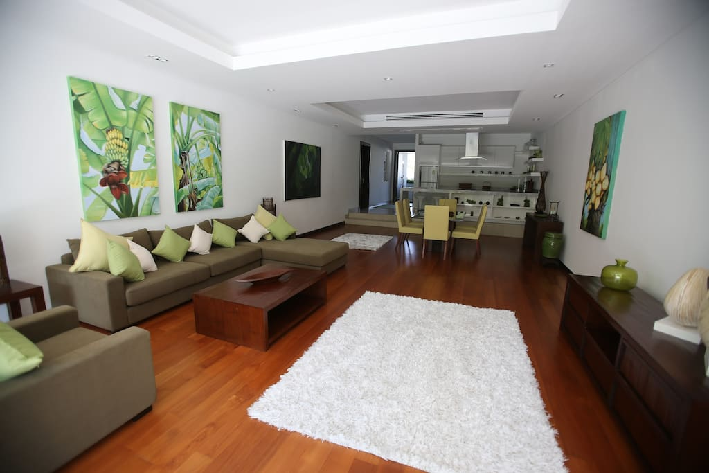 spacious living room with dining area and kitchen