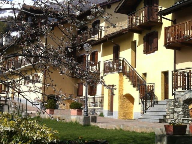 Il Villaggio di Buthier  LA CANTINA - Buthier Gorrey - House