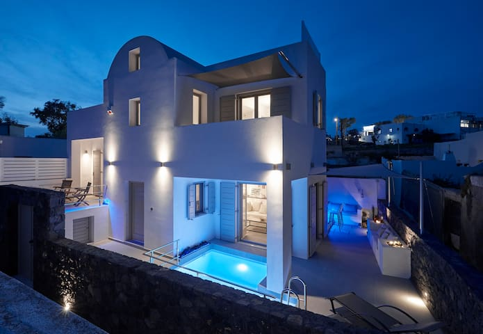 Alchemy Luxury Villa