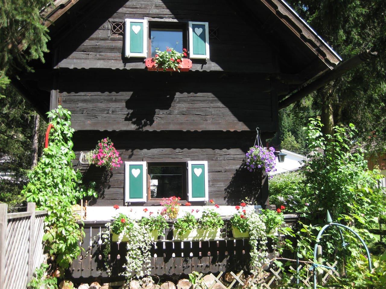Romantische Hütte - Außenansicht