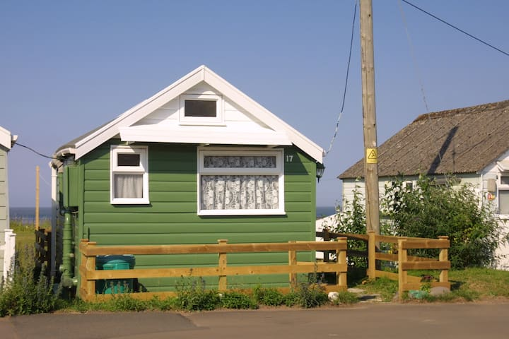 Beach side chalet-minimum 2 nights  - Dunster - Bungalo