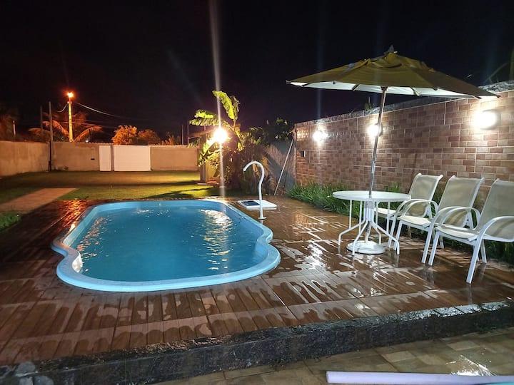 Área Gourmet com quarto, banheiro e piscina