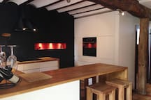 Voll ausgestattete, moderne, offene Wohnküche