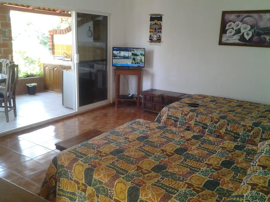 Habitacion con terraza, TV, bella vista