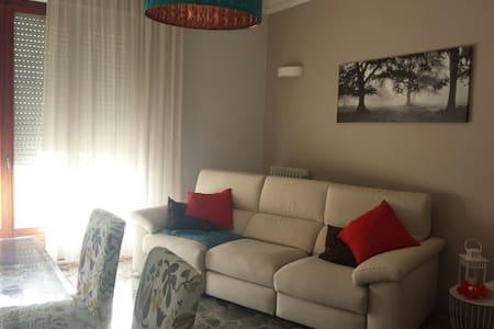 Appartamento di 75mq a pochi passi dal mare - Alba Adriatica - Leilighet