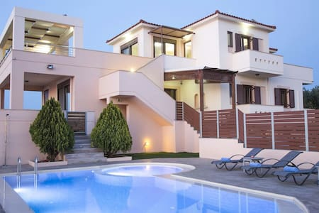 Villa Saint George, private pool & sunset sea view