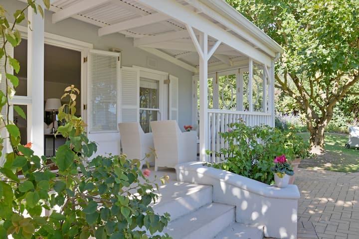 Farm Lorraine ☆ The Garden Cottage