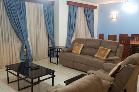 SHARED ROOM-KILIMANI VALLEY ARCADE - Pis
