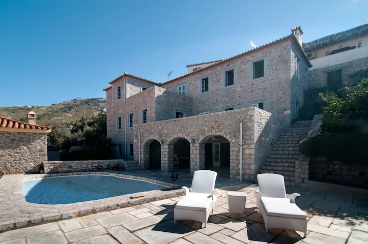Hydra-Villa Stergiali, panoramic sea view, pool, 10 persons