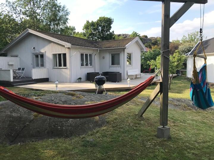 Ljuvligt sommarboende i Göteborgs skärgård/Brännö