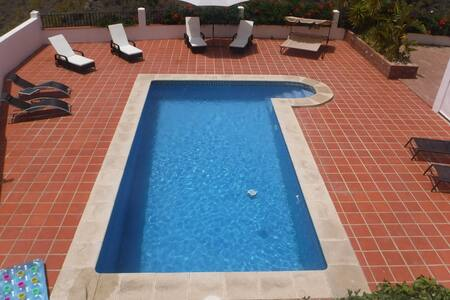 Beautifully presented 1 bed apartment - Viñuela - Appartement