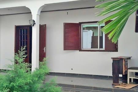 Villa avec Jardin à Efoulan - Maison