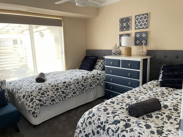 Room for 2 children or can be joined to make king size bed for a couple