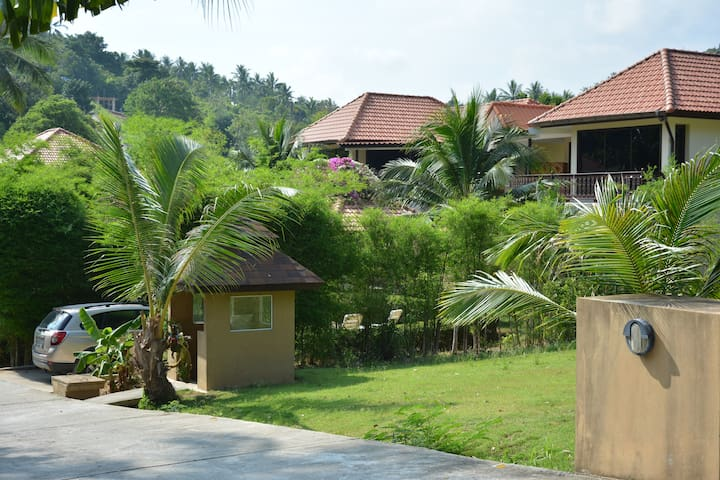 Tropical Apartment with Pool and Garden #2 - Ko Samui - Lägenhet