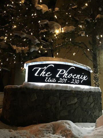 The Phoenix: Apres Ski Condo, 2 Hot Tubs and Pool