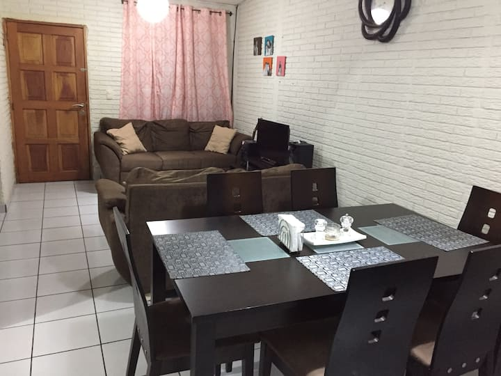 Sweet entire Home in Santa Tecla