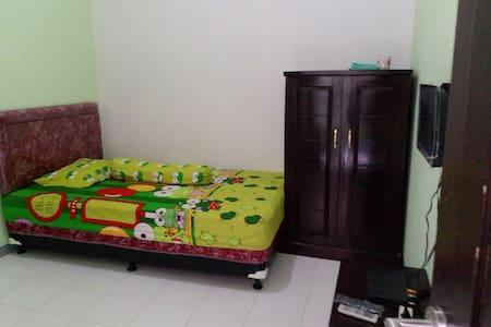 Aryabhisma Homestay - Banyuwangi - Guesthouse