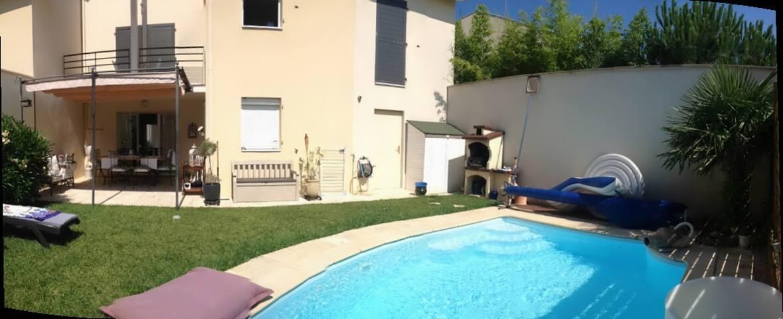 Maison récente avec piscine à Meyzieu, coté canal - Meyzieu - House