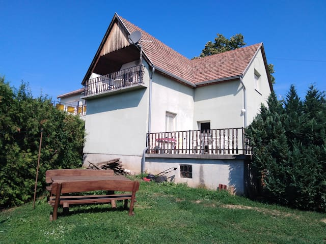 VIL'LAGUNA apartment -panorama to Balaton, parking
