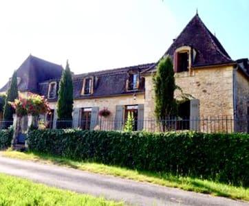 La Petite Chartreuse, idyllic Périgord house